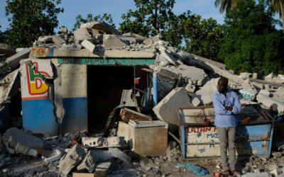 Envía México a Haití tres aviones con ayuda humanitaria